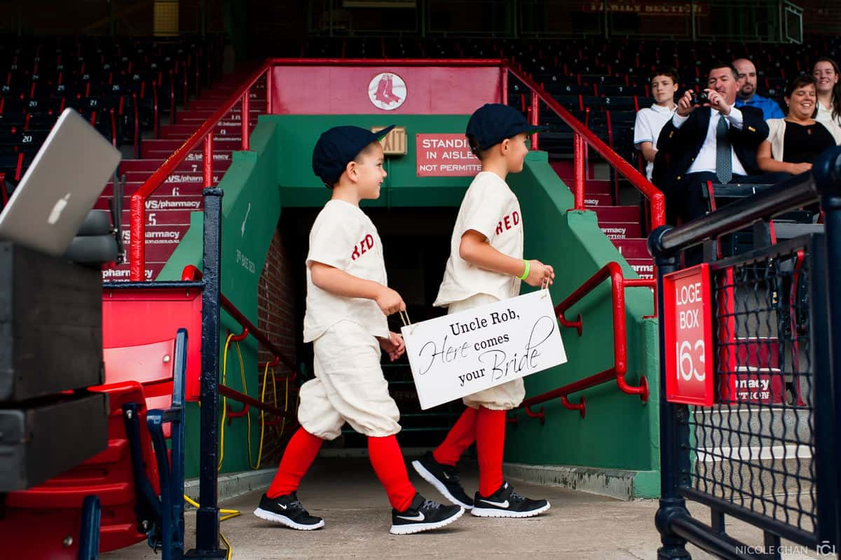 megan-rob-071-fenway-park-boston-massachusetts-nicole-chan-photography