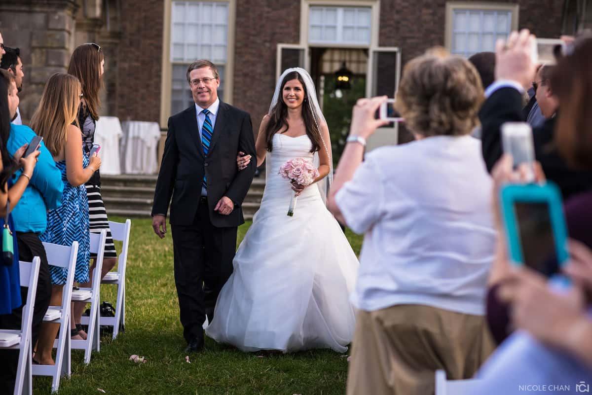christine-brian-026-crane-estate-castle-hill-ipswich-wedding-photographer-nicole-chan