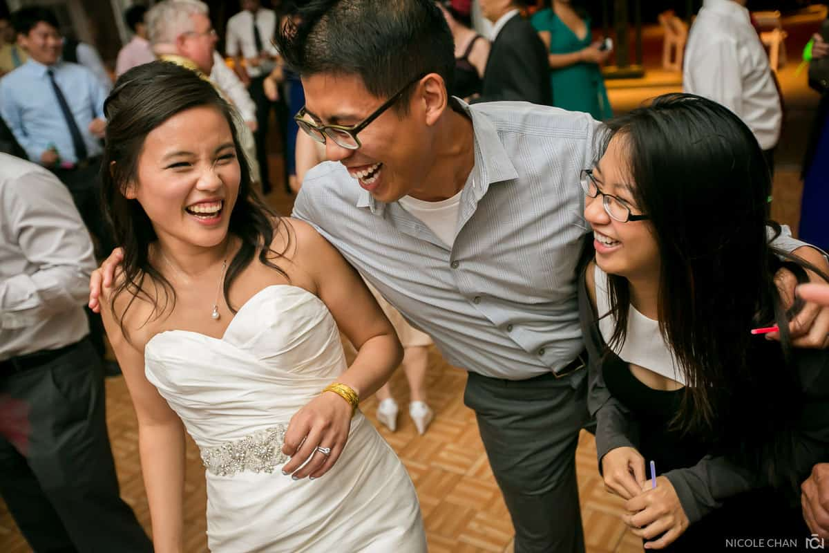 Angela-Andrew-061-Museum-of-science-boston-wedding-photos-boston-massachusetts-wedding-photographer-nicole-chan-photography