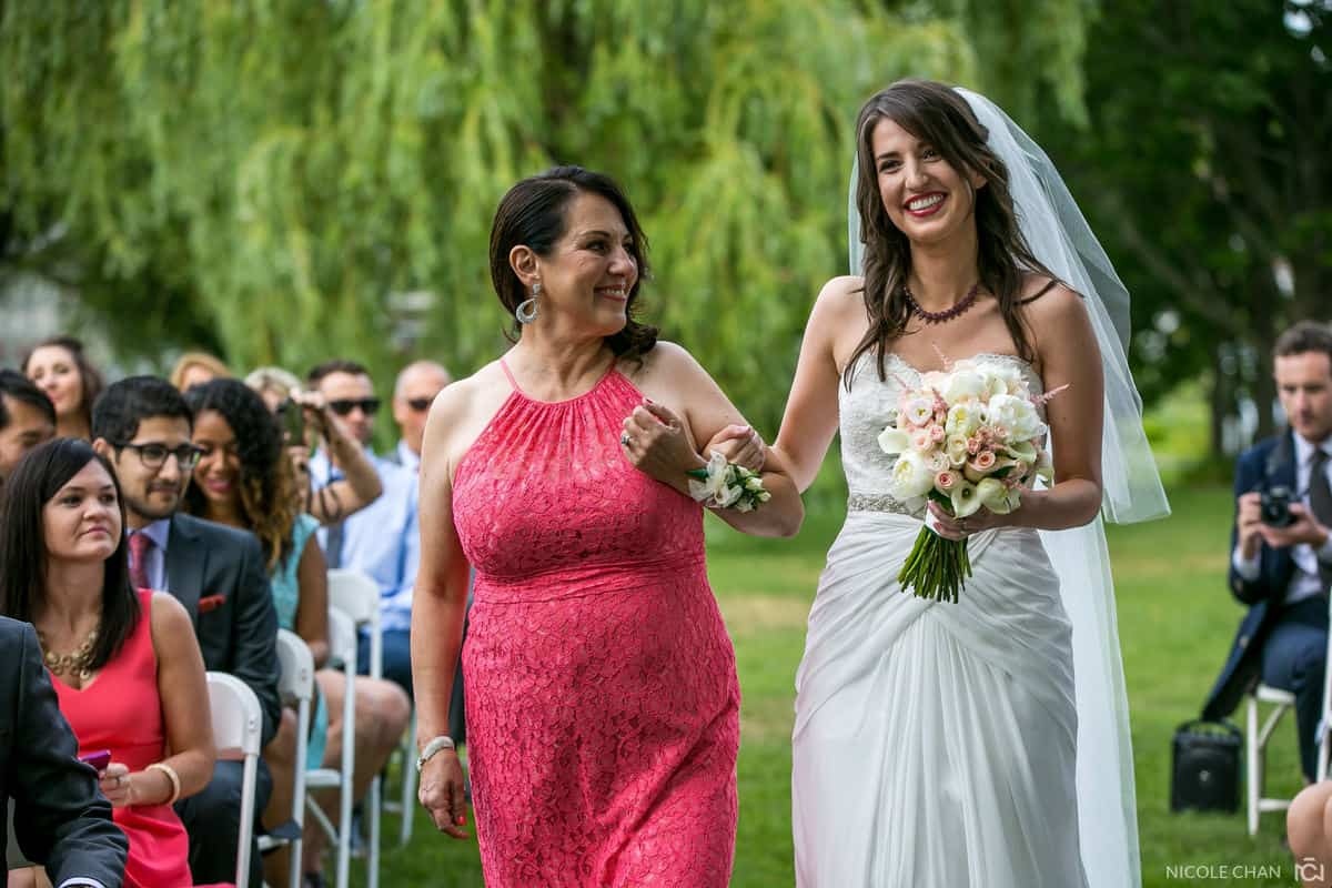 alison-alex-019-Endicott-Estate-Dedham-wedding-photographer-nicole-chan