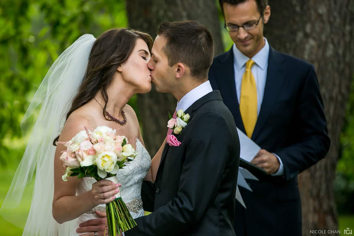 alison-alex-024-Endicott-Estate-Dedham-wedding-photographer-nicole-chan