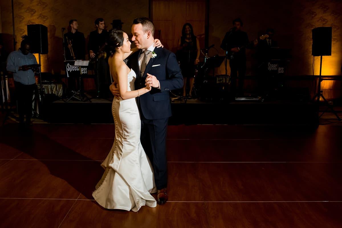 willow-jesse-329-mandarin-oriental-boston-wedding-photographer-nicole-chan