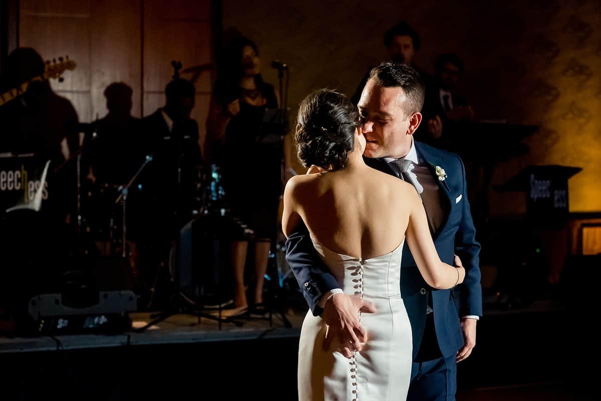 willow-jesse-332-mandarin-oriental-boston-wedding-photographer-nicole-chan