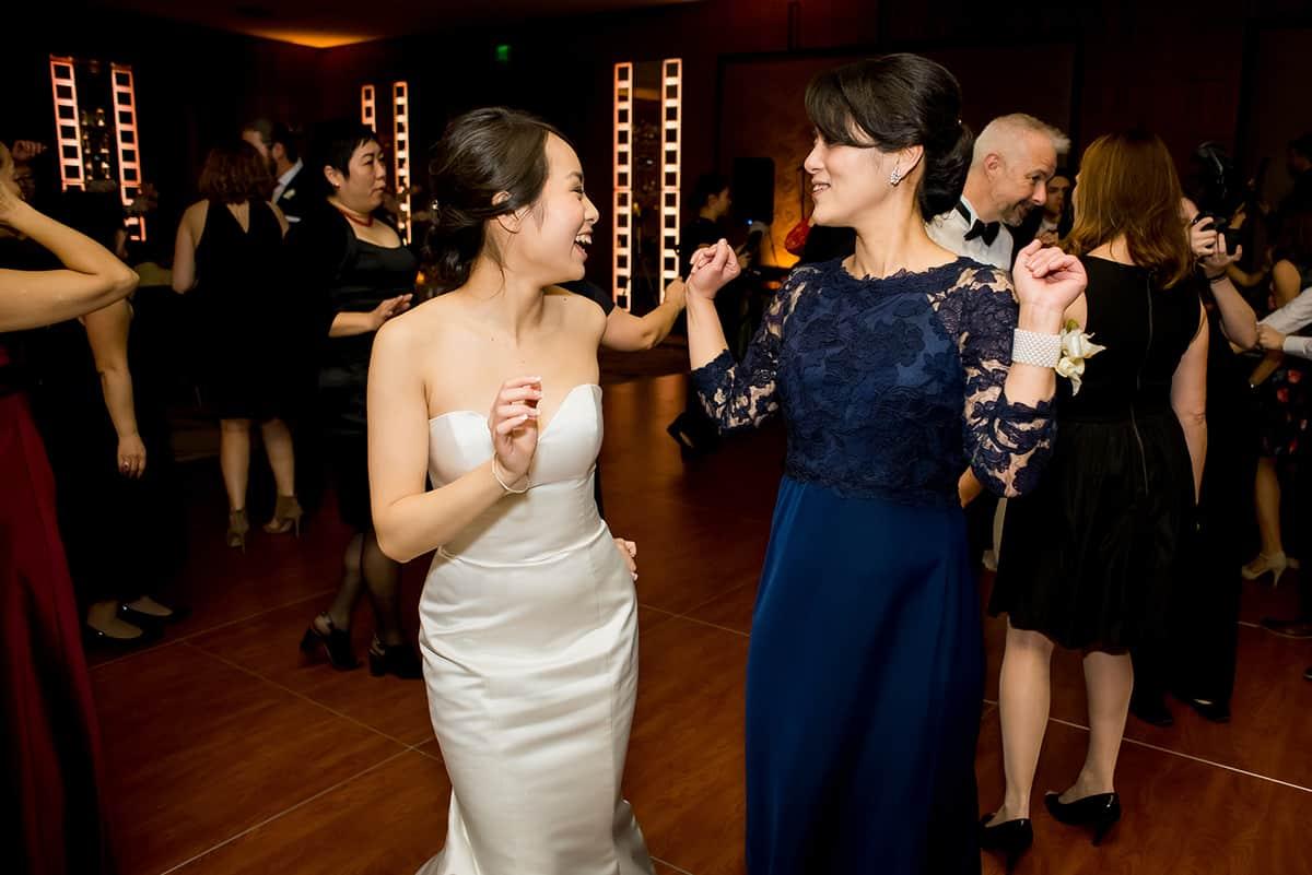 willow-jesse-469-mandarin-oriental-boston-wedding-photographer-nicole-chan