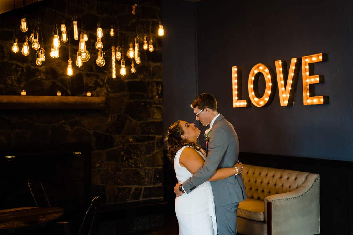 steph-joe-oceanview-of-nahant-boston-wedding-photographer-nicole-chan-photography-020