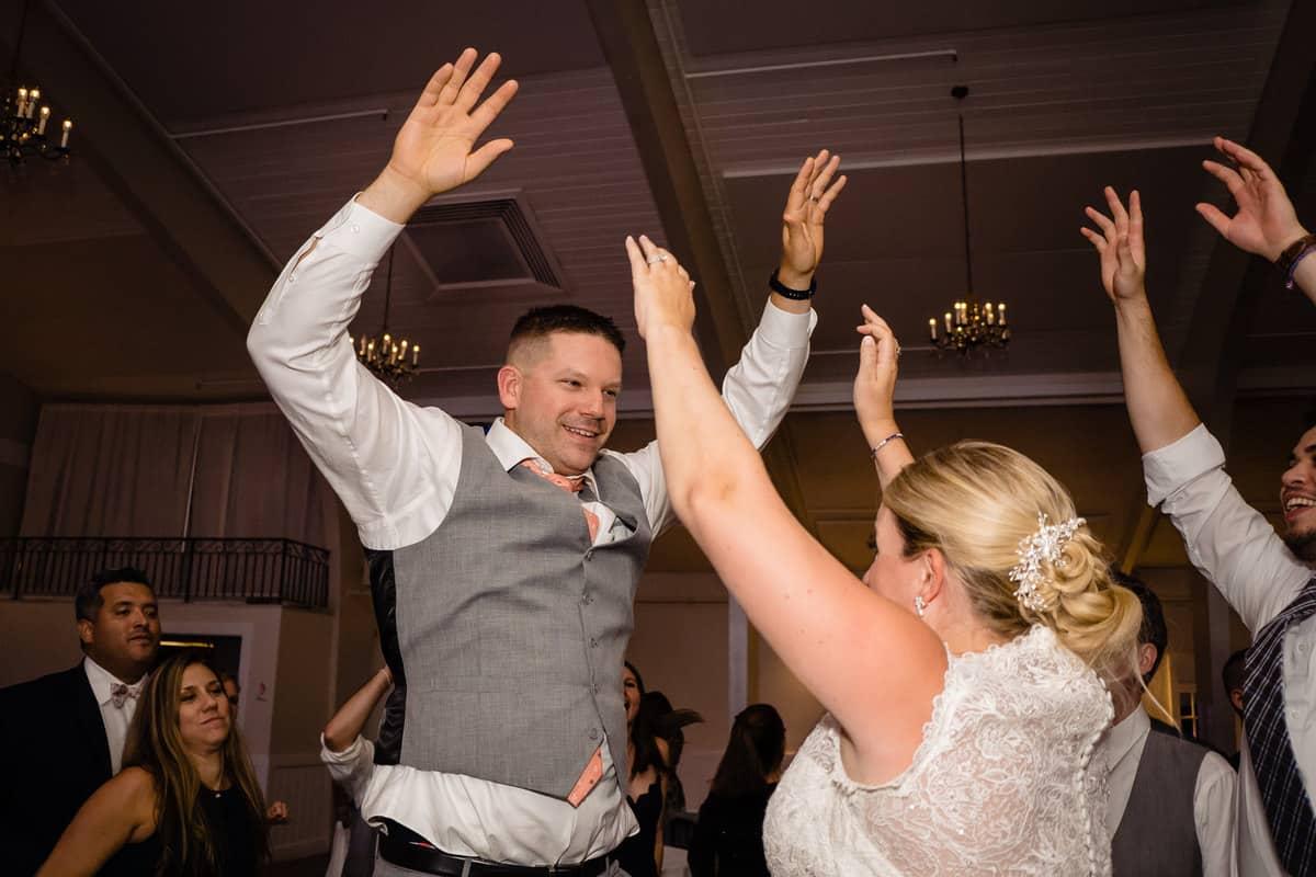 Nicole-Chuch-Danversport-Yacht-Club-Wedding-Photos-Boston-Wedding-Photographer-Nicole-Chan-Favorites-0043