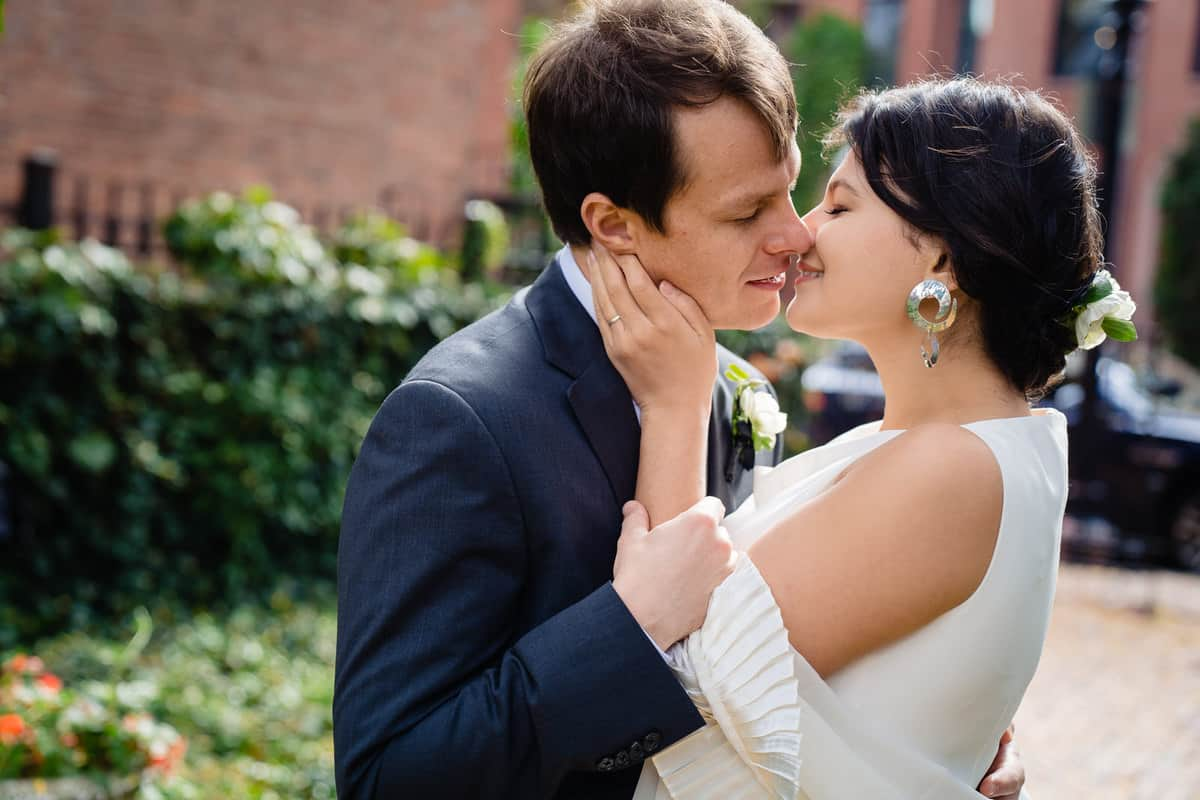 Pareesa-Jamie-City-Hall-Boston-wedding-photographer-Nicole-Chan-Photography-43