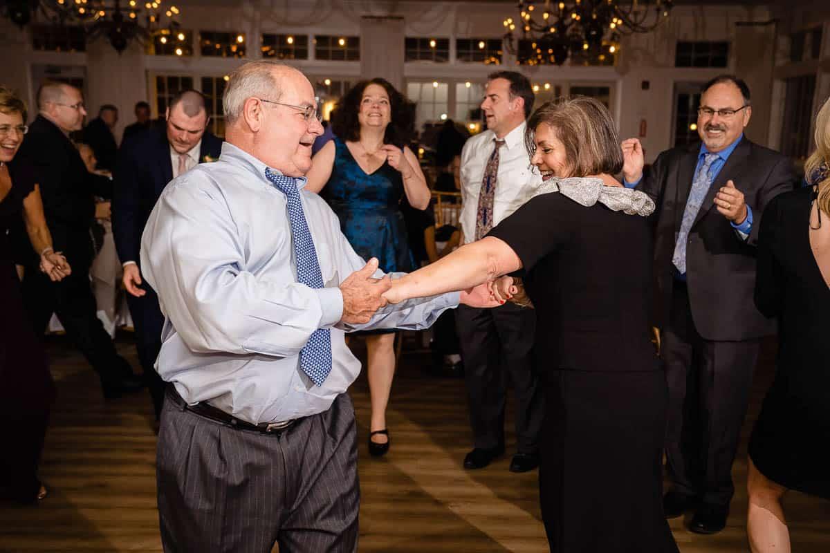 janice-bill-coonamessett-inn-falmouth-wedding-photographer-promessa-studios-023
