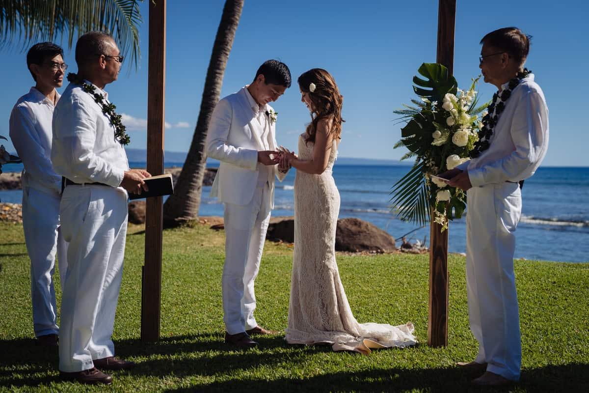 Ashely-Jonathan-Olowalu-Plantation-House-Maui-Wedding-Maui-Hawaii-Destination-Wedding-Photographer-Nicole-Chan-Photography020
