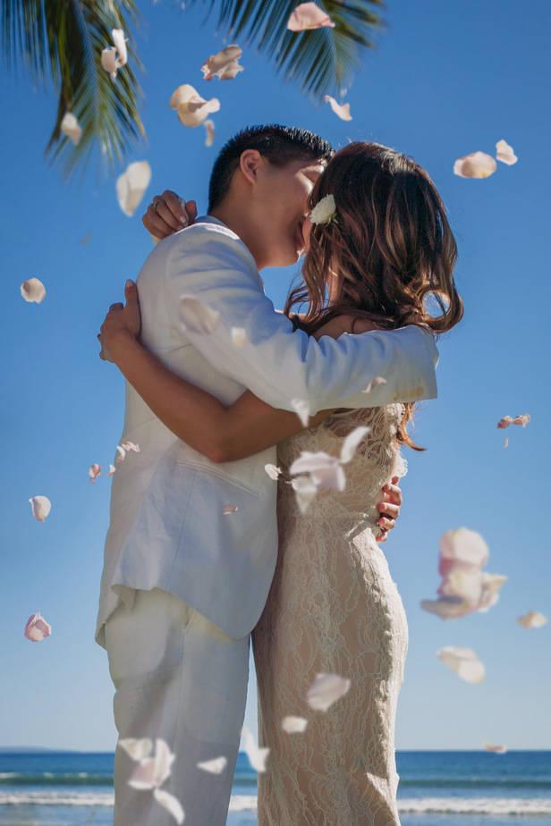 Ashely-Jonathan-Olowalu-Plantation-House-Maui-Wedding-Maui-Hawaii-Destination-Wedding-Photographer-Nicole-Chan-Photography025