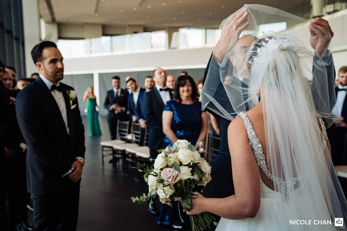 nina-michael-boston-state-room-great-room-wedding-photos-nicole-chan-photography-0014