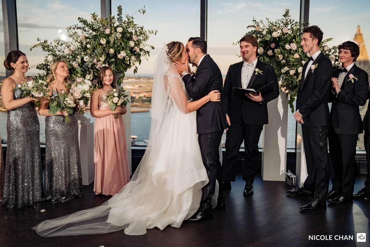 nina-michael-boston-state-room-great-room-wedding-photos-nicole-chan-photography-0017