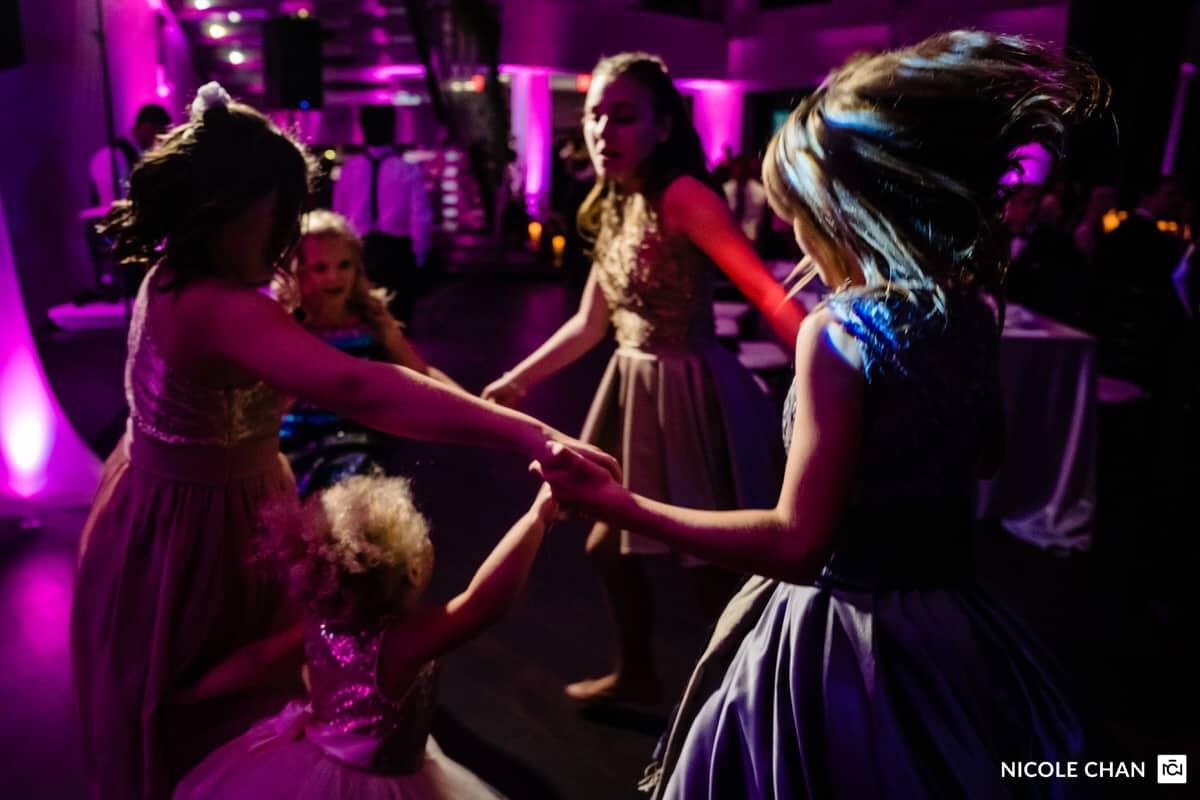 nina-michael-boston-state-room-great-room-wedding-photos-nicole-chan-photography-0037